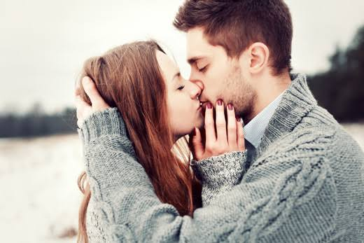 Can Hepatitis B be contracted from kissing?